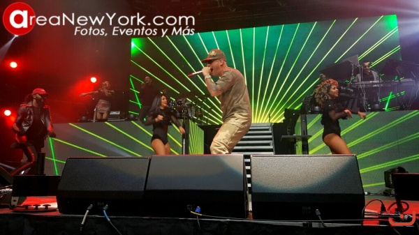12-16-2017 Wisin en el Prudential Center_8